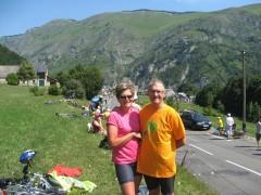 Gabbie et Riton a Ste Marie de Campan au pied du Tourmalet.JPG
